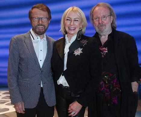 Tuottaja Judy Craymer Björn Ulvaeusin ja Benny Anderssonin kanssa Mamma Mia! -musikaalin 20-vuotisnäytöksessä.