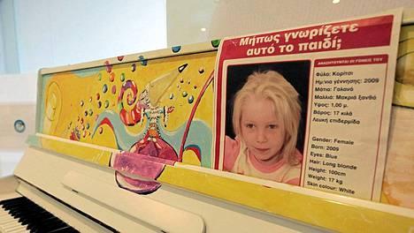 Kreikasta löytyneen Marian vanhempia etsitään kansainvälisillä ilmoituksilla.
