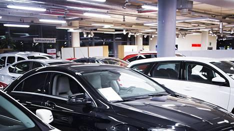 Autotuojat ja -teollisuus ry on uusien autojen maahantuontiyritysten ja autoteollisuuden yhdistys. Yhdistyksen jäsenten osuus kotimaan uusien henkilö-, paketti-, kuorma- ja linja-autojen markkinasta on yli 99 prosenttia.