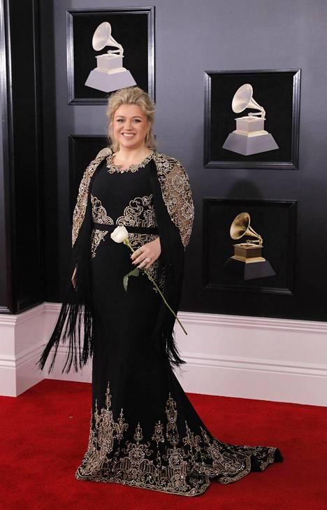 Kelly Clarkson.