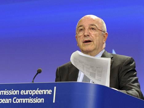 Motorolaa voi odottaa isompi selkäsauna, jollei se lisensioi frand-patenttejaan kilpailijoille. EU:n kilpailukomissaari Joaquin Almunia ei katsele suopeasti patenttioikeuden käyttöä kilpailun rajoittamiseen.