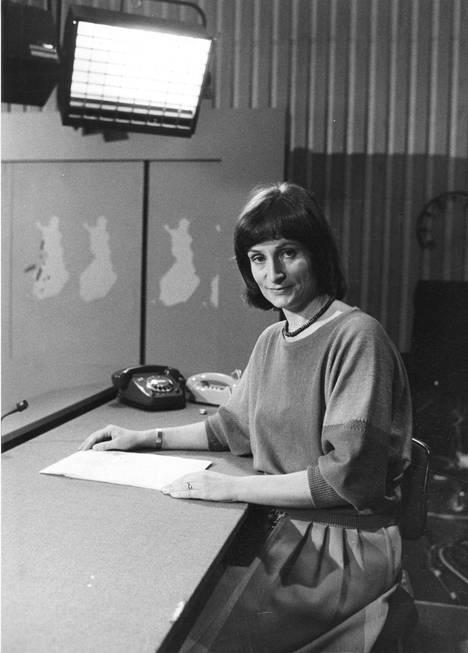 Eva Polttila työskenteli Yleisradiolla yli 40 vuoden ajan. Viimeisen kerran hän luki uutiset 29. syyskuuta 2009.