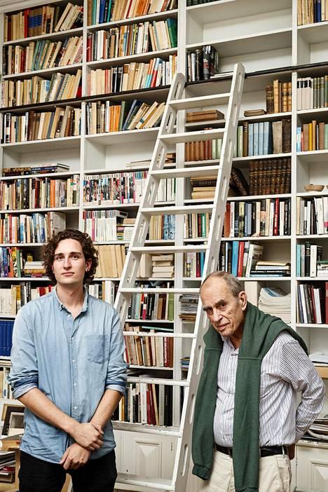 Jörn Donner kirjoitti Ennen kuin olet poissa -kirjan yhdessä poikansa Rafaelin kanssa.