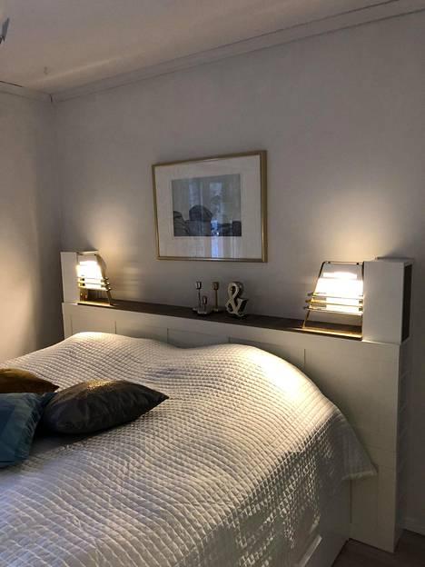 Makuuhuone muistuttaa laivan sviittiä ja on Kosken suosikki.
