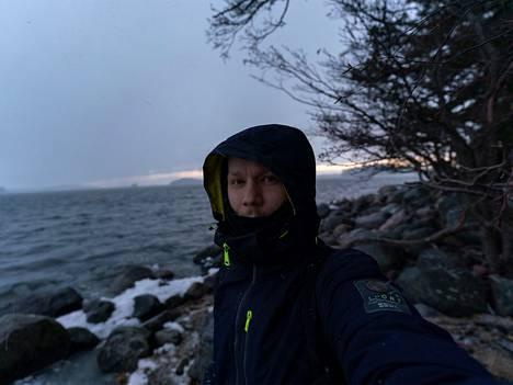 Pasi Markkanen kokee, että lähellä luontoa on hyvä olla ja tehdä töitä.