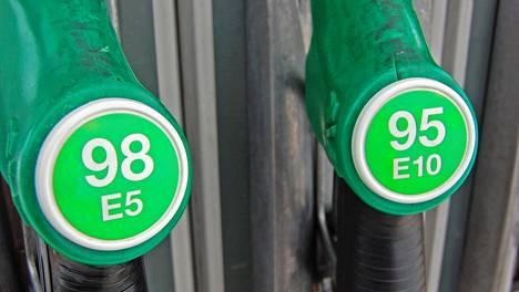Polttoaine on Lapissa perinteisesti kallista, mutta kahden euron haamuraja ei ole vielä rikkoutunut.