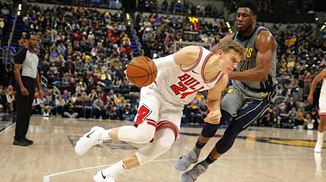 Markkanen pelaa kolmatta kauttaan NBA:ssa. Tämä kuva on viime kaudelta ottelusta Indiana Pacersia vastaan.