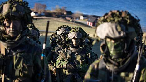 Uudenmaan prikaatin rannikkojääkärikomppania oli mukana Trident Juncturen maihinnousuharjoituksessa Norjassa viime vuoden lokakuussa.