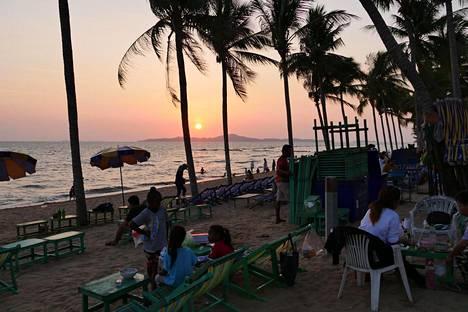 Thaimaan itärannikolla sijaitseva Pattaya on yksi Thaimaan suosituimmista ja samalla pahamaineisimmista lomakohteista.