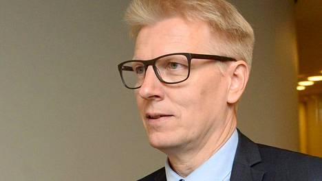Maatalous- ja ympäristöministeri Kimmo Tiilikainen (kesk) sai ryhmältään kirjallisen varoituksen.