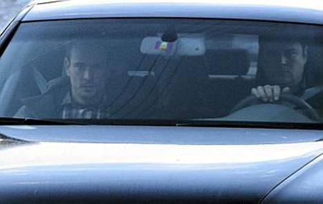 Ohjaaja istui Audin takapenkillä.