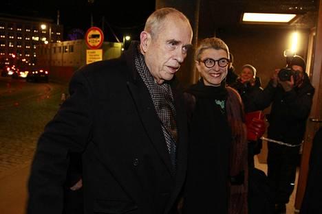 Jörn Donner ja Bitte Westerlund saapuivat Linnaan itsenäisyyspäivänä 2016.