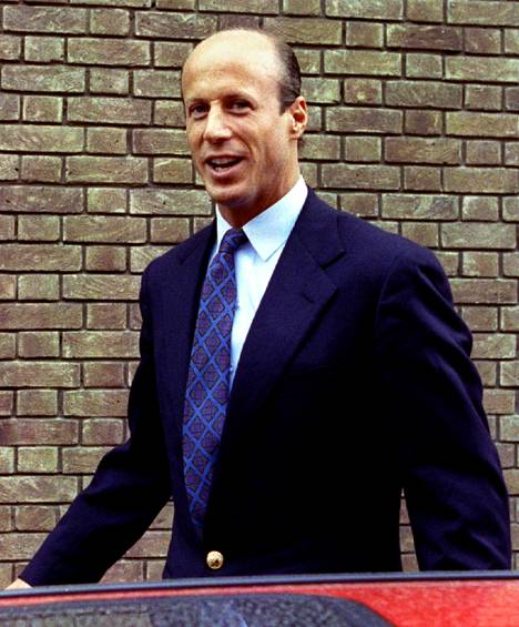 John Bryanista (kuvassa) tuli yhdessä yössä Britannian kuuluisin salarakas.