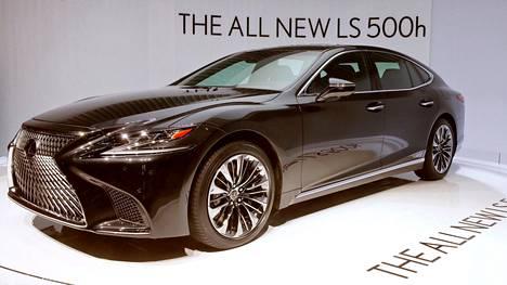 LS 500h:n Hybrid Drive -voimalinjaan kuuluu 3,5-litrainen V6 Dual VVT-i bensiinimoottori ja kaksi sähkömoottoria.