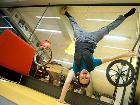 Silja Kyytinen vaihtoi opettajan työn sirkusyhdistyksen pyörittämiseen.