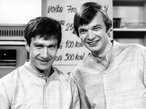 Veijo Vanamo (vas.) ja Jaakko Kolmonen tekivät yhdessä Yleisradiolle Patakakkonen-ohjelmaa.
