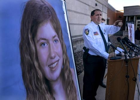 Sheriffi Chris Fitzgeraldilla ei ole ollut paljoakaan uutta kerrottavaa viimeisimmissä lehdistötilaisuuksissaan.