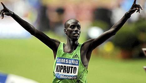 Kenian Brimim Kipruto jäi vain sadasosan päähän uudesta maailmanennätyksestä 3000 metrin juoksussa.