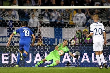 Jorginho ampui Italian voittomaalin rangaistuspilkulta.