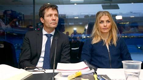 Therese Johaug ja hänen asianajajansa Christian B. Hjort yrittivät vakuuttaa, ettei hiihtäjä käyttänyt klostebolia tahallaan.