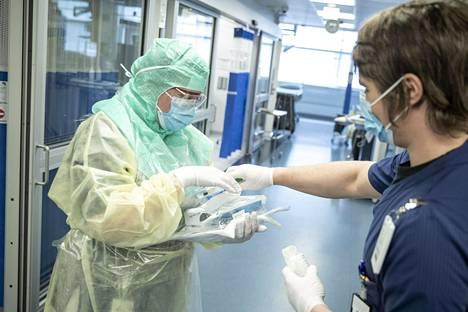 Terveydenhuollon työntekijät ovat etusijalla mahdollisen rokotteen valmistuessa.