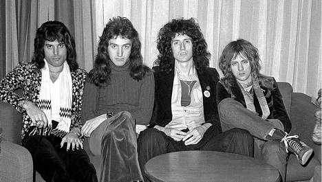 Queen Suomessa 25.11.1974.