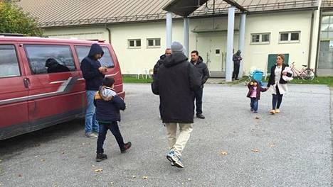 Suonenjoelle Vanhan Maamiehen tiloihin perustettuun hätämajoituskeskukseen on saapunut 106 turvapaikanhakijaa.