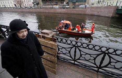 Anastasija Jeshtshenkon ruumiin osia löytyi Moika-joesta ja myös kauempaa Jekateringofka-joesta jo läheltä Suomenlahtea.