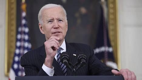 Presidentti Joe Biden kertoi koronarokotuksista Valkoisessa talossa tiistaina.