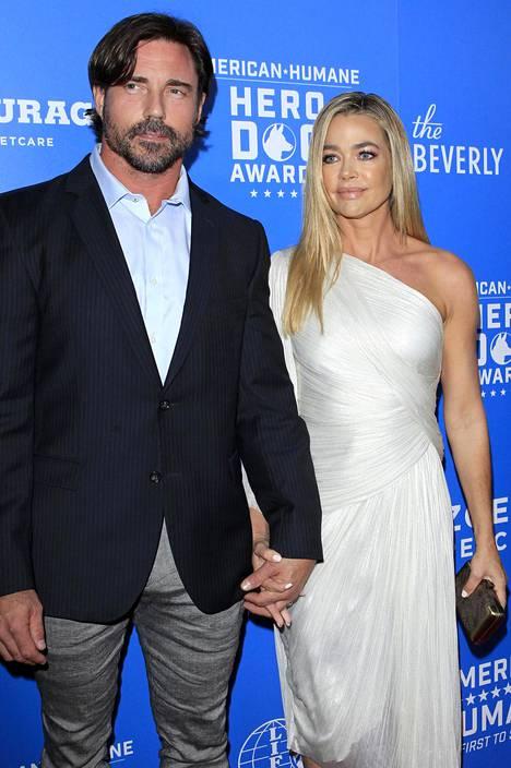 Aaron Phypers ja Denise Richards astelivat naimisiin sarjan edellisellä kaudella.