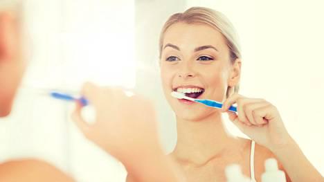 Parodontiitin tai karieksen kaltaiset suun tulehdukset aiheuttavat koko elimistön tulehdustilan.