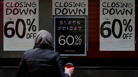 Jos viime vuonna Yhdysvalloissa 5 864 vähittäiskauppaa sulki ovensa, niin jo alkuvuodesta tuo raja on rikottu. Tänä vuonna kauppoja on suljettu jo 5 994 kauppaa.