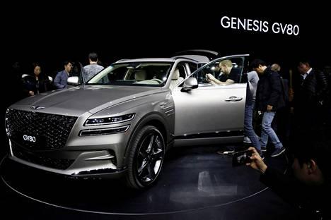 Genesis GV80 kiinnosti paljastustilaisuudessa Etelä-Koreassa tammikuussa 2021.