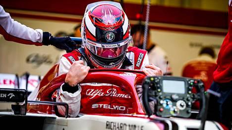 Kimi Räikkönen vie valtaosan Alfa Romeon palkkabudjetista.