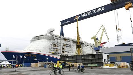 Carnival-varustamon tilaaman Carnival Mardi Gras -risteilyaluksen vesillelaskuseremonia pidettiin Meyerin Turun-telakalla.