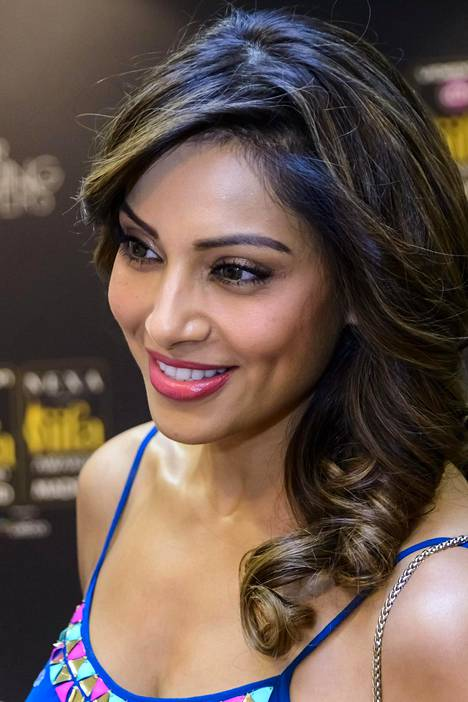 Näyttelijä on julkaissut myös omaa musiikkia ja tuottanut elokuvia kotimaassaan Intiassa.