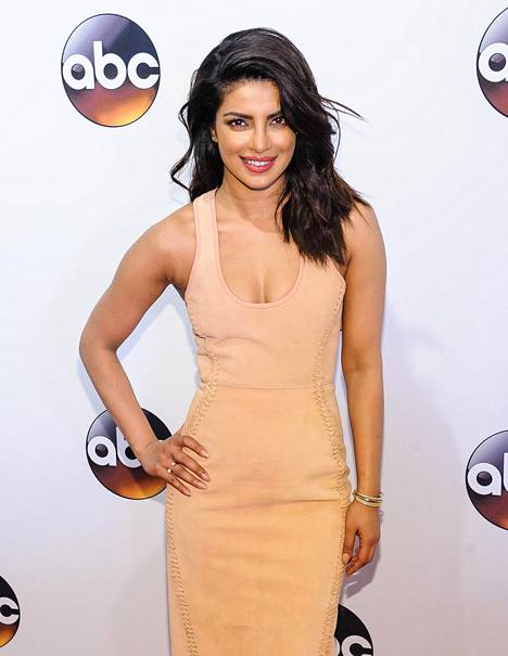 Chopra valittiin Miss Maailmaksi vuonna 2000.