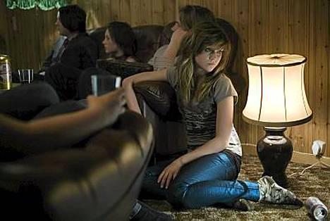 Elokuvan päähenkilö on 14-vuotias Jenna-tyttö (Josephine Mattsson), joka haluaisi elää samanlaista elämää kuin ystävänsä ja ikätoverinsa.