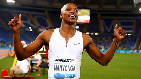 Kesällä 2018 Luvo Manyonga juhli voittoa Timanttiliigan osakilpailussa Roomassa.