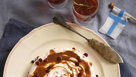 Karpalo-rahka juustokakkuun tulevaan kinuskiin saa kivasti makeutta taittavaa karvautta, kun sen valmistaa tietyllä tavalla.