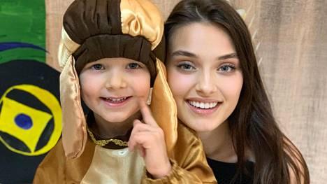 Missikaunotar Veronika Didusenko ei saanut osallistua Miss Maailma -kisaan, koska hän on äiti.