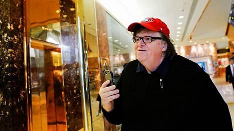 Dokumentaristi ja elokuvaohjaaja Michael Moore vieraili Trump Towerissa marraskuussa 2016.
