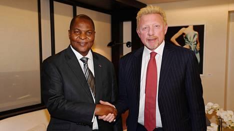Entinen tennistähti Boris Becker ja Keski-Afrikan tasavallan presidentti Faustin Archange Touadera tapasivat Brysselissä huhtikuussa.
