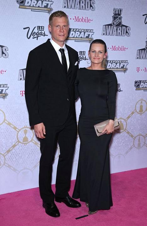 Koivut NHL Awardseissa Las Vegasissa vuonna 2017.