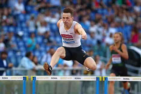 Norjan ennätysmies Karsten Warholm on 400 metrin aitojen maailmanmestari Lontoosta viime kesältä.