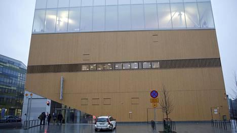 Helsingin keskustakirjasto Oodissa on tapahtunut puukotus.
