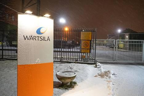 Wärtsilän portilla oli varhain aamulla hiljaista.