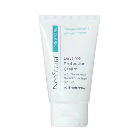 NeoStrata Daytime Protection Cream SPF 23 -päivävoide sisältää sekä suojakertoimen että muun muassa maitohappoa. Se lupaa pitää ihon joustavana ja nuorekkaan näköisenä, 43 €, Skincity.fi.