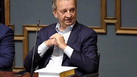 Harry Harkimo otti vastaan yksittäiseltä tukijalta enemmän kuin sallitut 6 000 euroa.