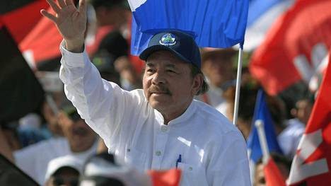 Nicaraguan presidentti Daniel Ortega arkistokuvassa.